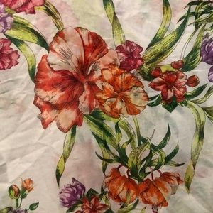 H&M Accessories - Vibrant floral scarf. NWT!
